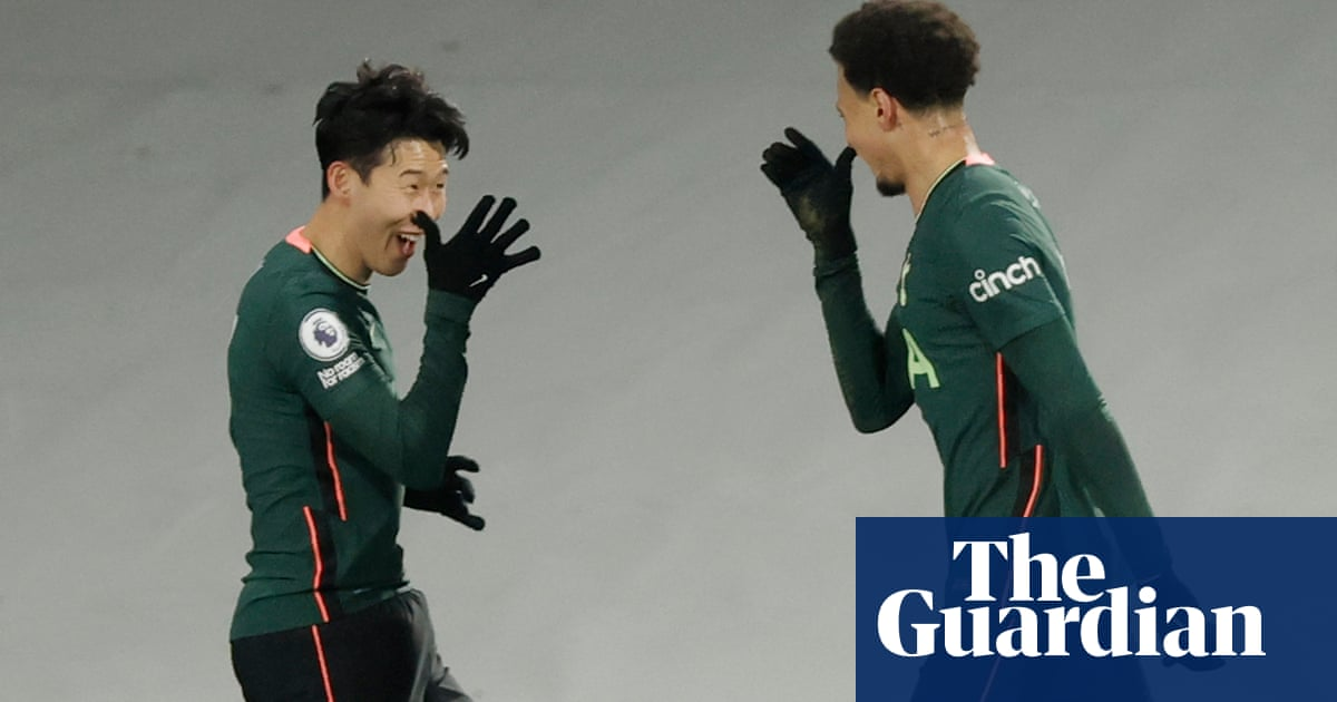 Tottenham front four set up victory as Fulham left to rue harsh handball