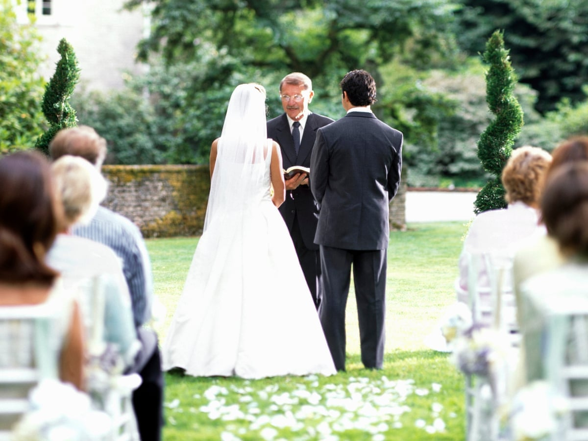 Couples across UK could soon be allowed to marry outdoors ...