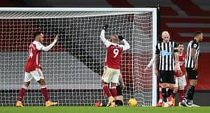 Aubameyang scores Arsenal's third goal.
