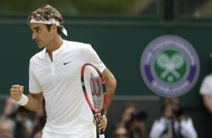 Roger Federer, takes the set