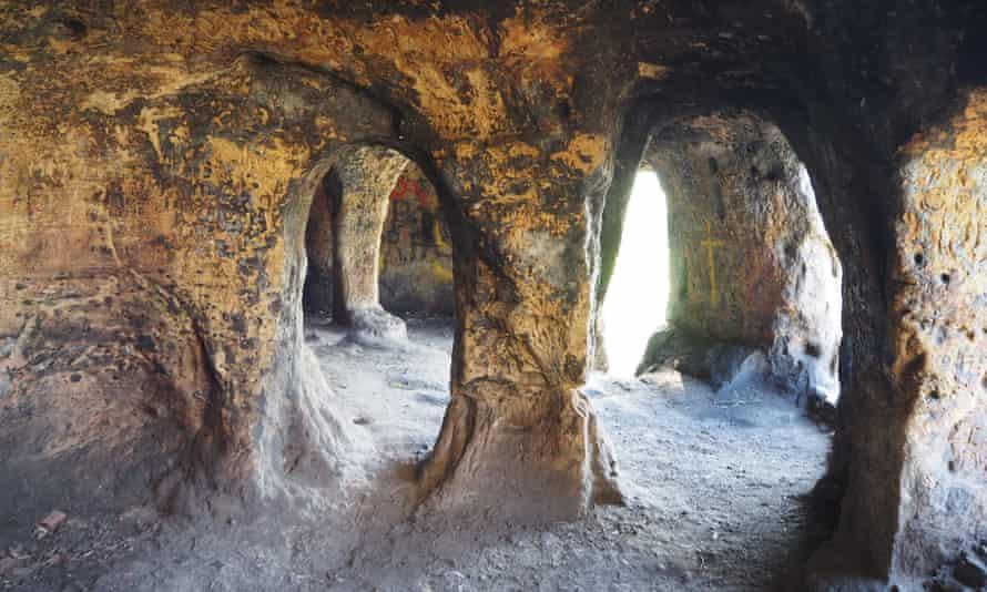 Anchor Church cave