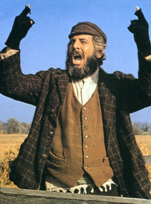 Chaim Topol in Fiddler on the Roof, 1971.