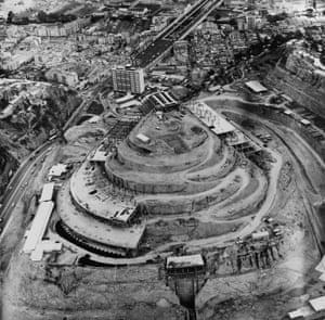 Construction on Roca Tarpeya, in about 1956.