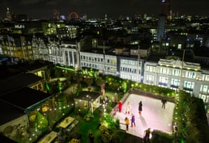 Skating rink on roof of John Lewis, London