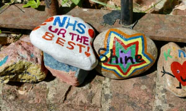 Many stones have featured tributes to the NHS and its staff (Wantage, Oxfordshire).