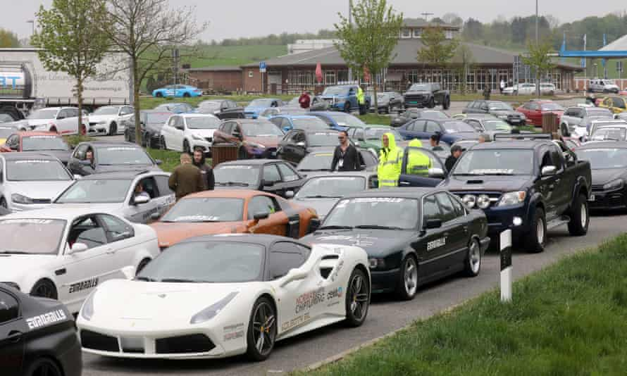 Cars detained by police at the Fuchsberg motorway service area near Wismar
