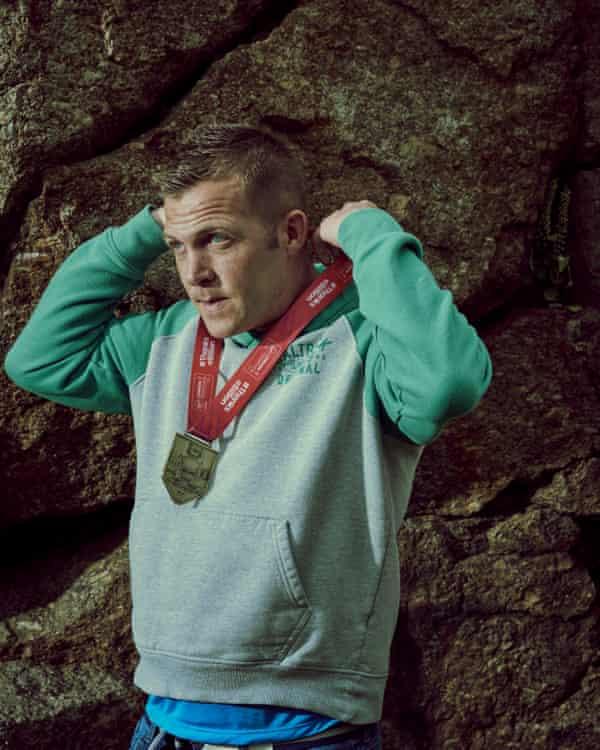 Craig wearing his London Marathon Finishers Medal