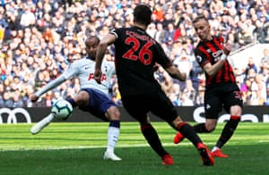 Lucas Moura slams the ball home for his second, and Spurs' third.