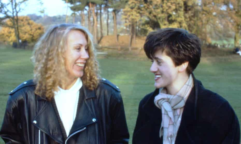 'Yin-yang attraction': Lindy Morrison, left, with Tracey Thorn on Hampstead Heath, London, in 1987