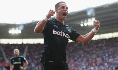 Southampton's Charlie Austin crushes West Ham's 10-man fightback
