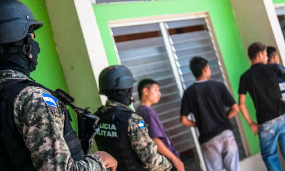 Underage kids in Honduras are taken into custody suspected of committing various crimes including being members of a gang.