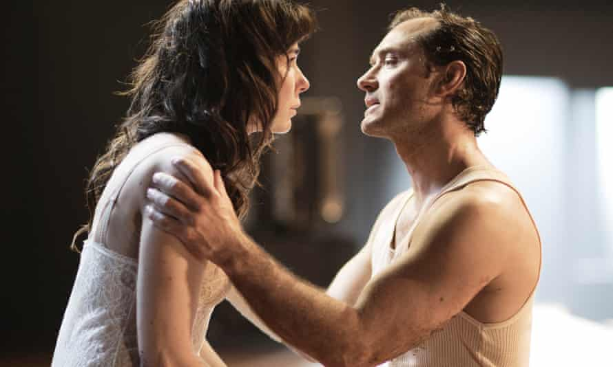Jude Law and Halina Reijn in Obsession.