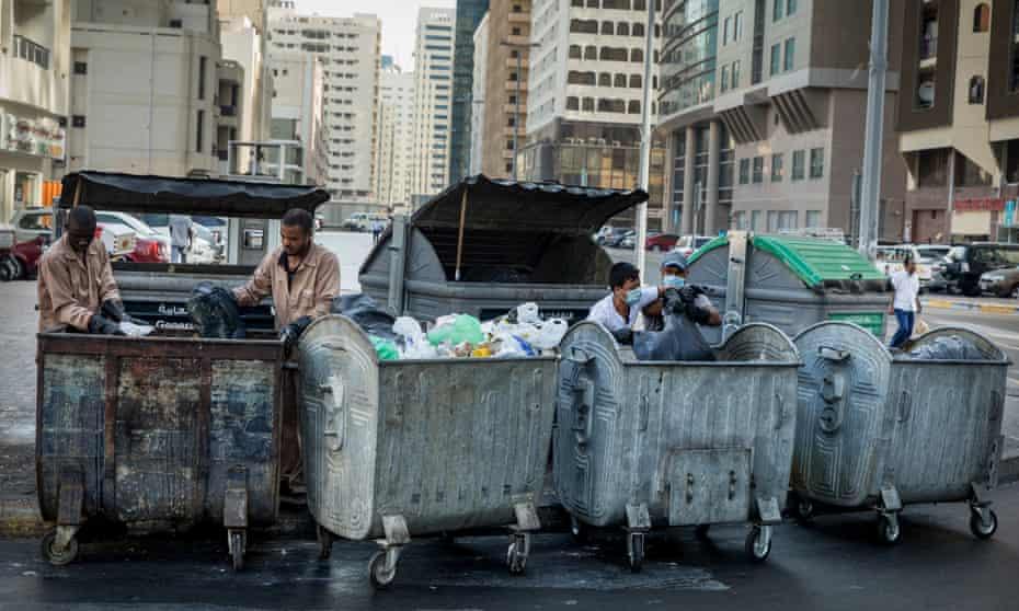 Waste collection in the Hamdan Street