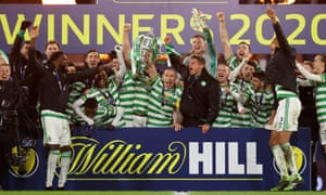 Scott Brown of Celtic lifts the Scottish Cup.