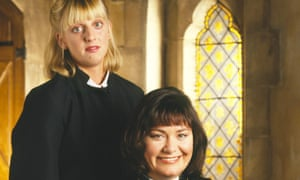 Emma Chambers as Alice and Dawn French as Geraldine in The Vicar of Dibley
