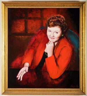The official parliamentary portrait of Joan Kirner painted by Annette Bezor.