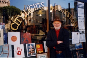 Lawrence Ferlinghetti outside City Lights Bookstore in 2015.