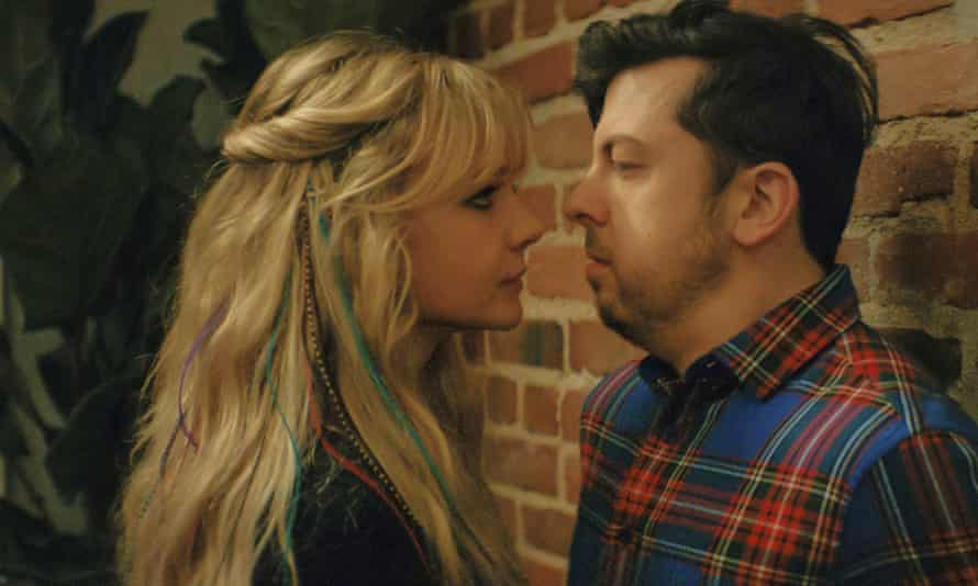 Carey Mulligan and Christopher Mintz-Plasse in Promising Young Woman.