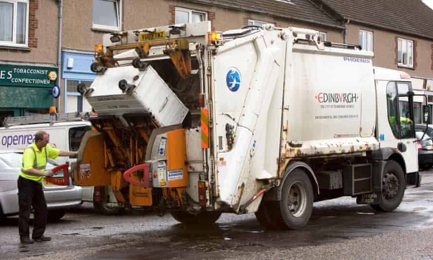 A bin lorry collecting rubbish in Edinburgh
