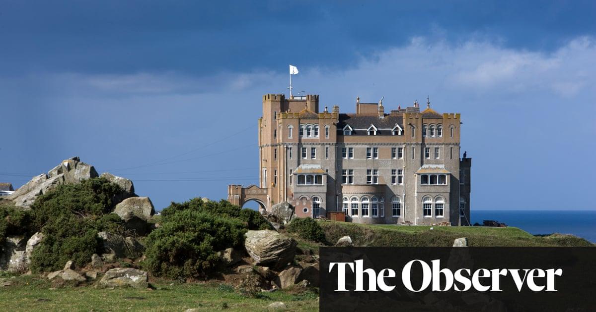 Fan of Trump and Farage raises far-right 'Q' flag at his Cornish castle