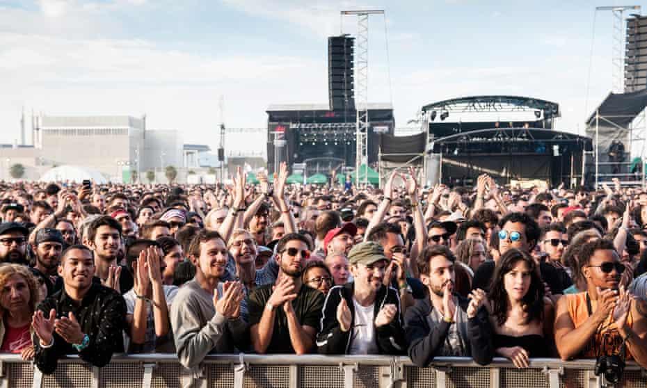 Music festival fuck