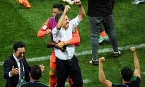 Osorio festeja como la porra.