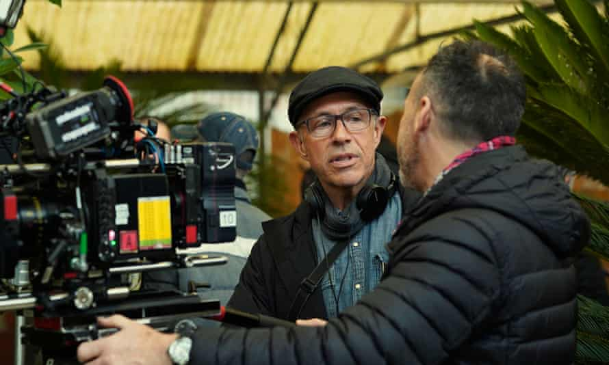 Peter Chelsom on the set of Security
