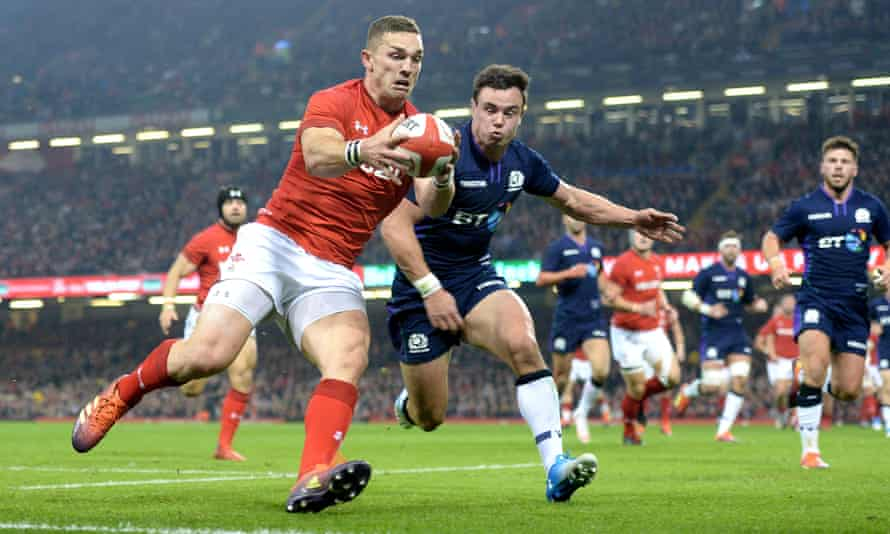 George North runs in to score try that was then disallowed.