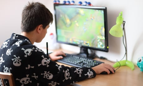 Fears grow for children addicted to online games