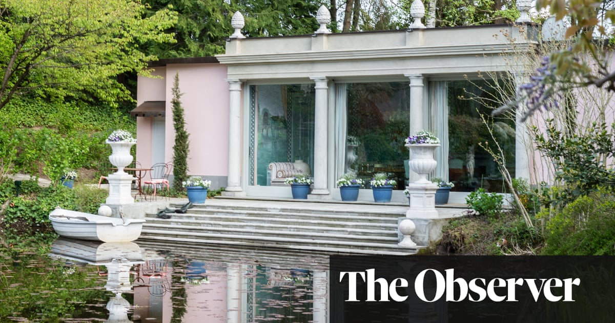Neoclassical villas restored to echo their stunning setting