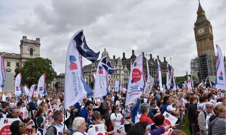 Nurses demonstrate against their pay cap in London on 6 September 2017
