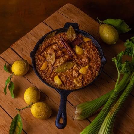 Saucisses, lentilles et citron par Joe Trivelli