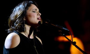 Her voice's warm-blooded intimacy draws you in … Norah Jones.