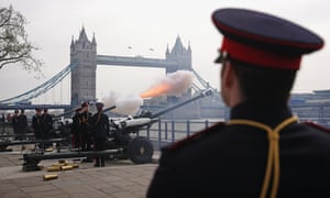 Soldiers from the Honourable Artillery Company , the City of London's Reserve Army Regiment perform a 62-gun salute at the Tower of London