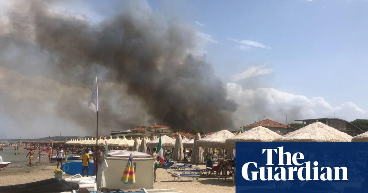 Tourists evacuated from Pescara as Italy records more than 800 wildfires