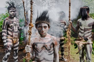 'Mud men' in the highlands of Papua New Guinea