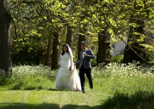 A newly-wed couple in Regent's Park.