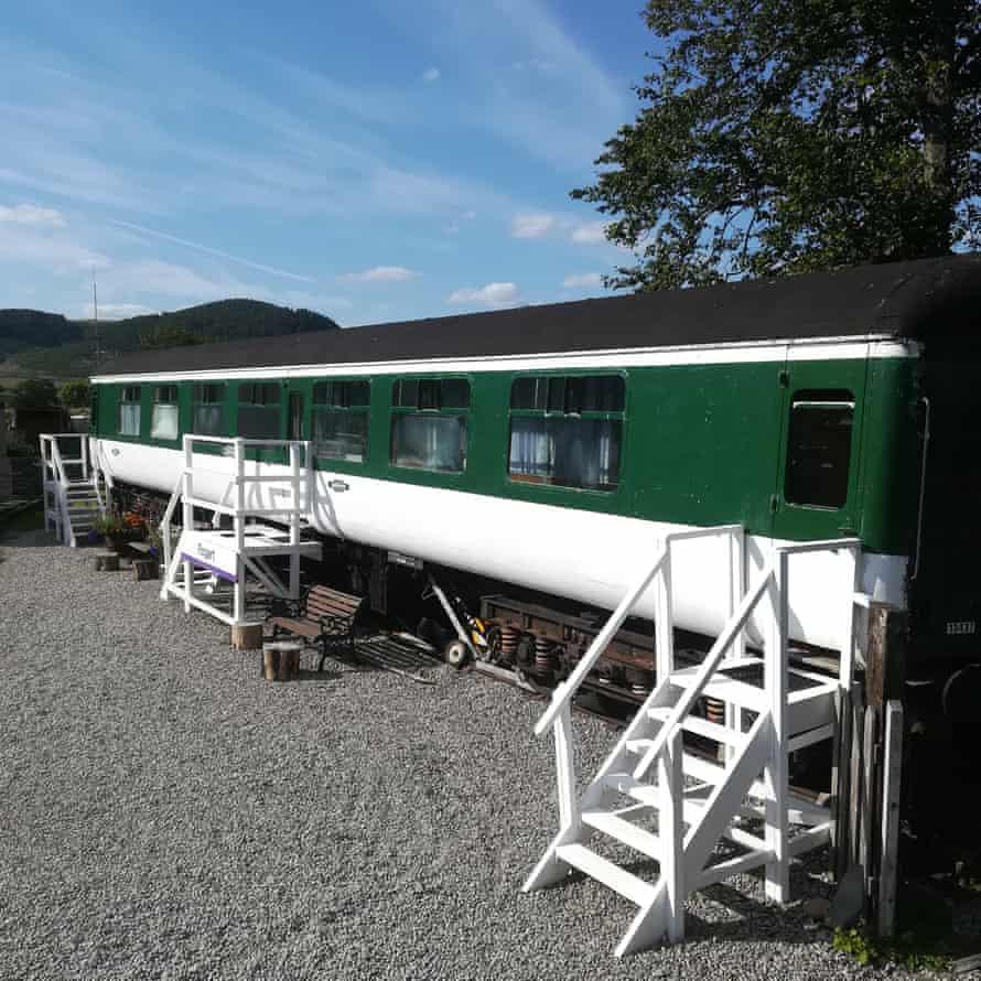 Sleeperzzz, rail accomodation, Rogart, Scotland.