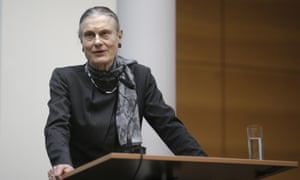 Ingeborg Berggreen-Merkel delivers the task force's report in Berlin.