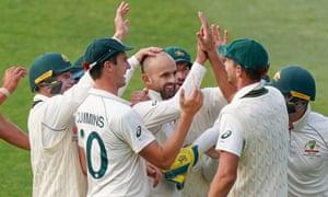 Australia celebrate Nathan Lyon's wicket