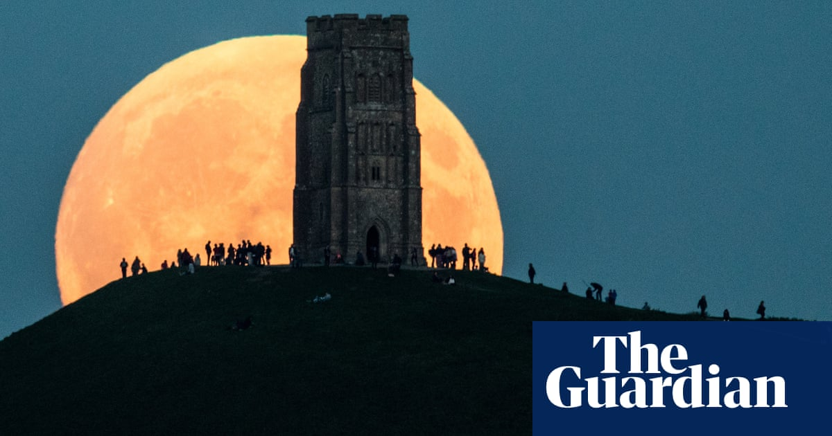 May super blood moon 2021: how to take a good photograph of the lunar eclipse with a phone or camera