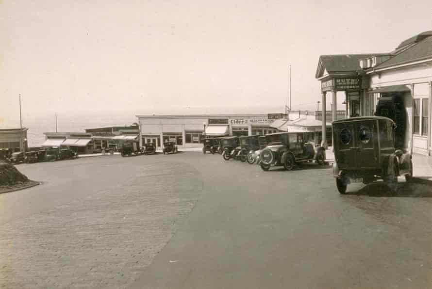 A view of Cliff House road from Bancroft library at UC Berkeley in 1925.