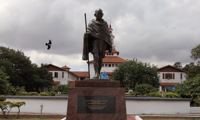 Racist Gandhi Statue Banished From Ghana University Campus - Artist uses banned books to create monumental sculpture against political oppression