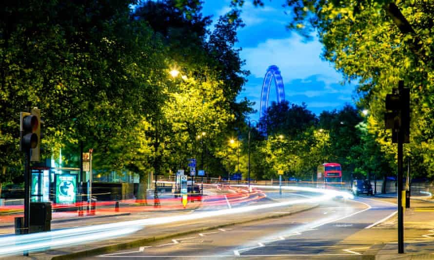 London's Embankment at night