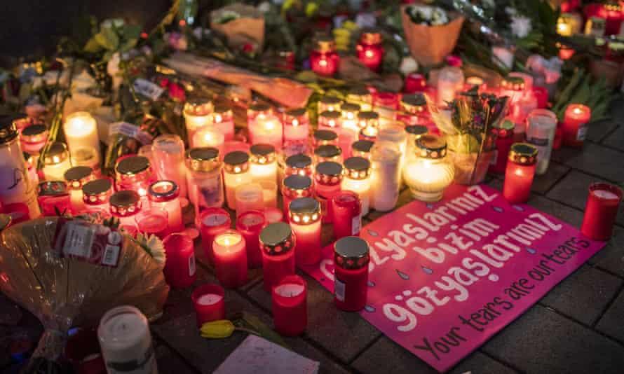 Tributes left near the Midnight shisha bar in Hanau.