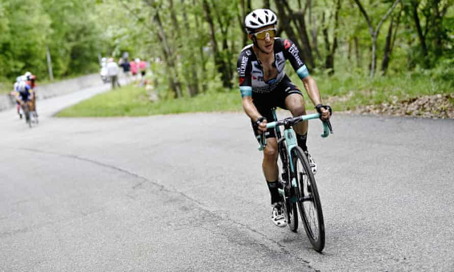 Simon Yates goes clear on Alpe di Mera on his way to winning the 19th stage.