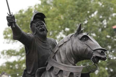 Owain Glyndwyr statue