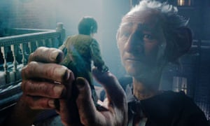 The BFG and Sophie, played by Mark Rylance and Ruby Barnhill