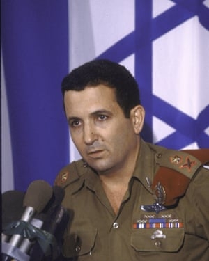 Barak briefing the press as army chief in 1985.