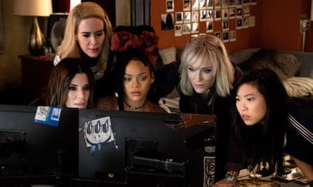 Sandra Bullock, Sarah Paulson, Rihanna, Cate Blanchett and Awkwafina in Ocean's Eight.